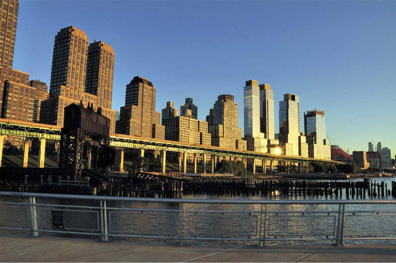 USA, New York, Manhattan, západ slunce, mrakodrapy