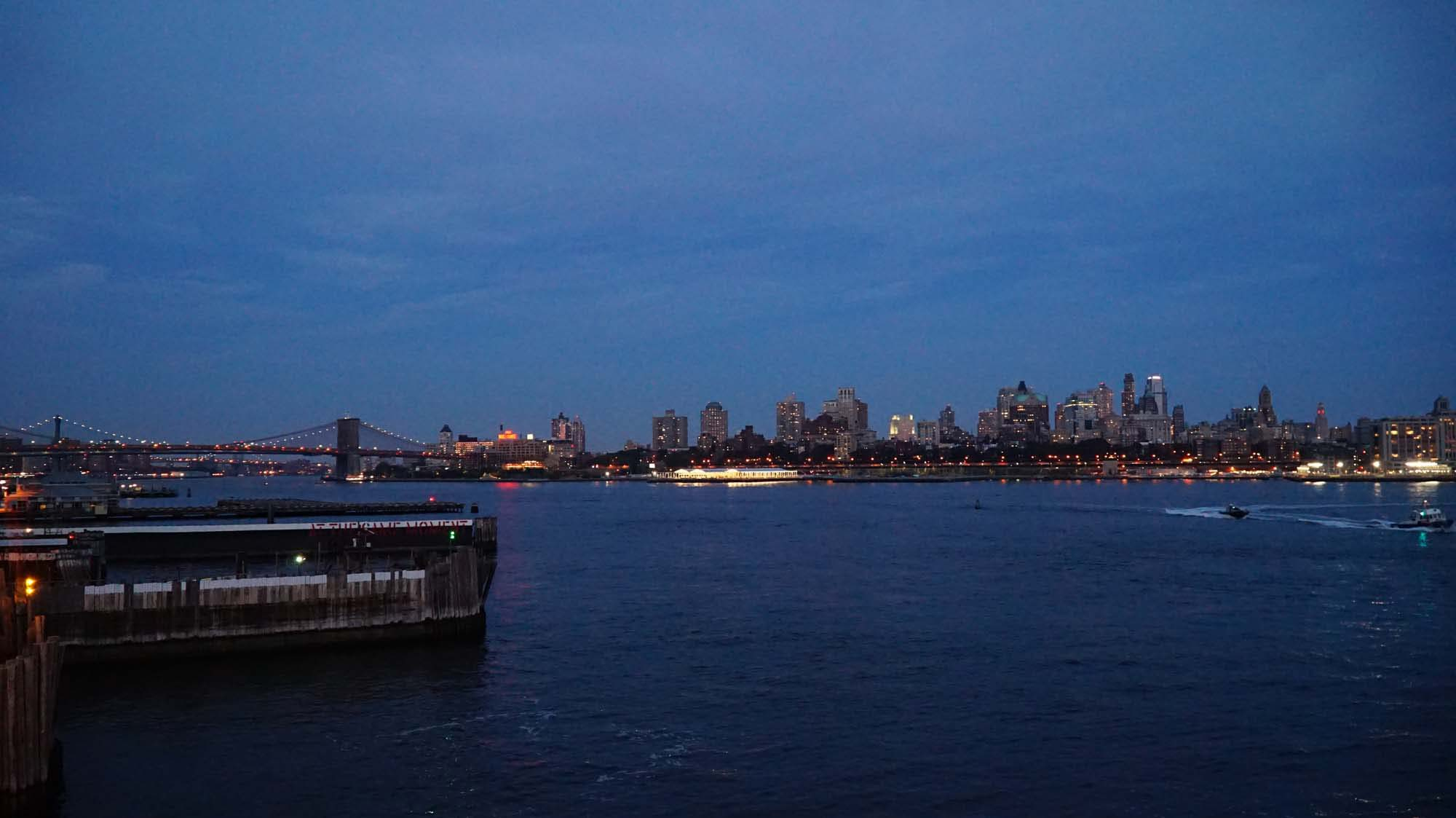 USA, New York, Manhattan, Brooklyn, podvečer